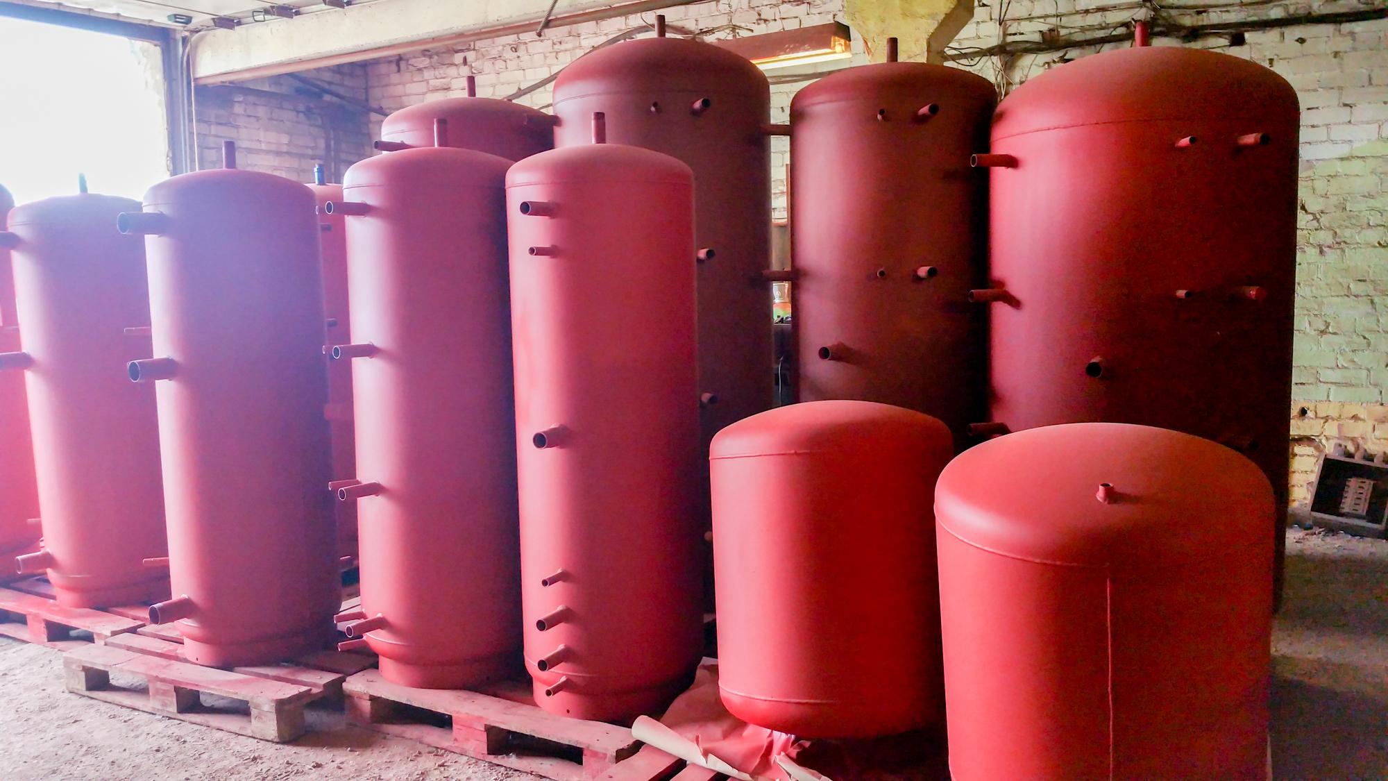 Siltuma akumulācijas tvertnes, dažādi izmēri un konfigurācijas